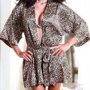 Victoria Secret Sexy Leopard Print Kimono Robe